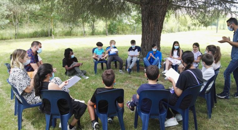 Un atelier plein de poésie, animé par Jean d'Amérique avec les enfants ALSH de la Comète